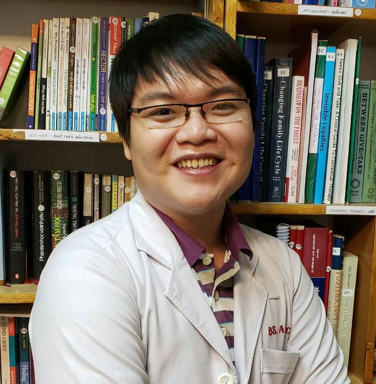 Bác sĩ Huỳnh Thanh Tân